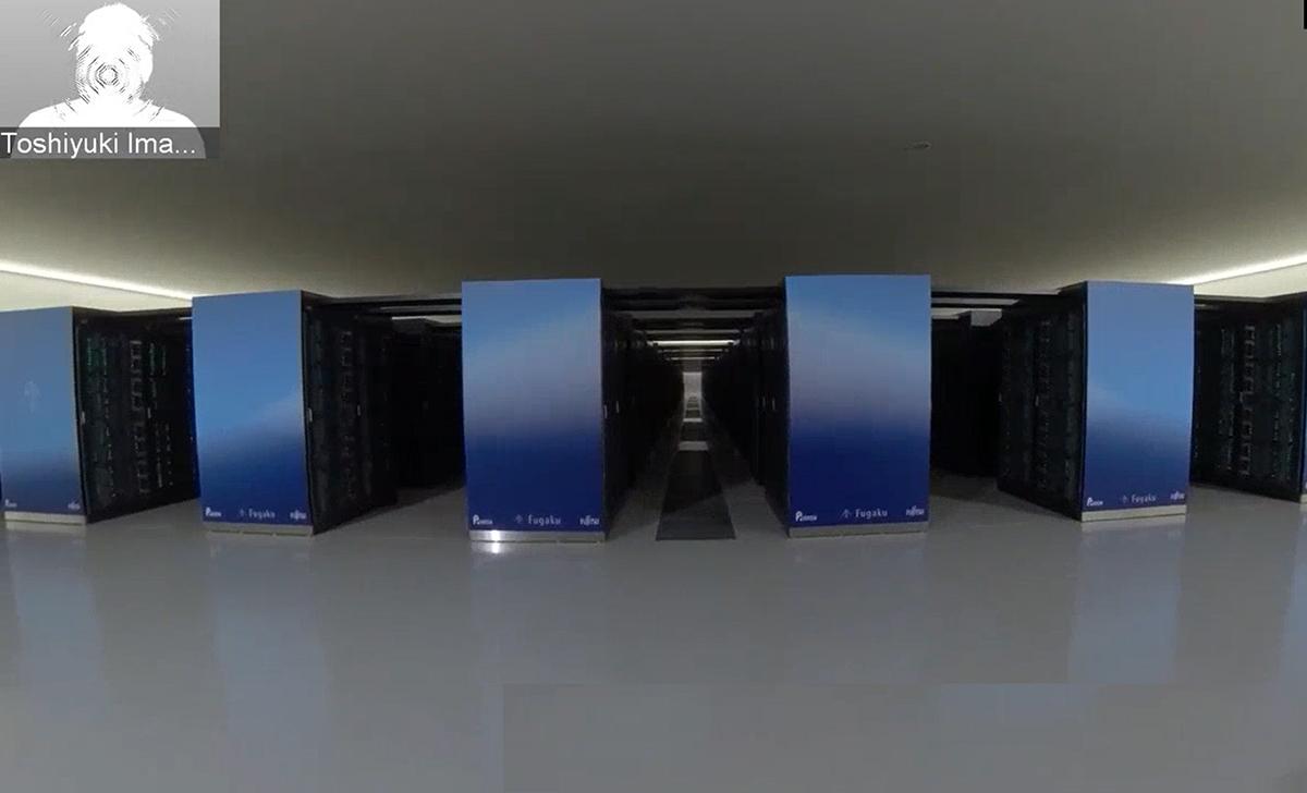 今村TLが計算機室を紹介する「富岳バーチャルツアー」を実施